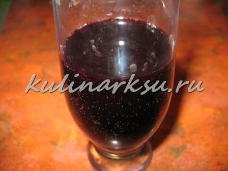 Говяжьи колбаски в красном вине