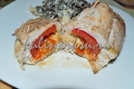 Куриное филе с помидорами и базиликом