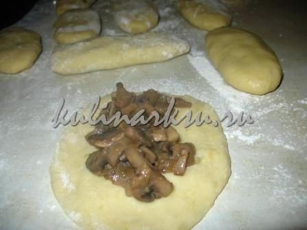Картофельные пирожки с разными начинками