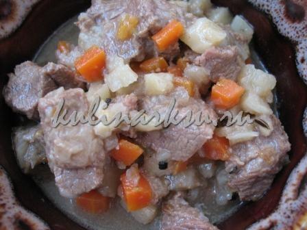 Говядина с морковью и сельдереем