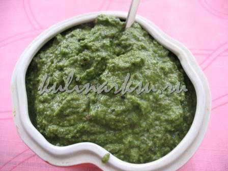 Оливковая паста с зеленью