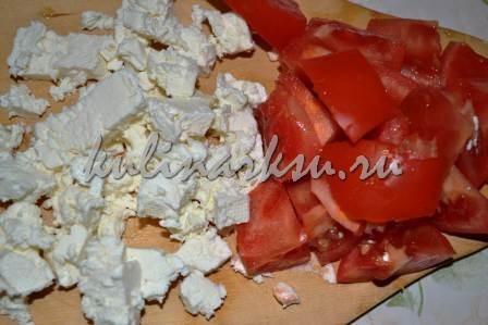 Праздничный салат с авокадо и курицей