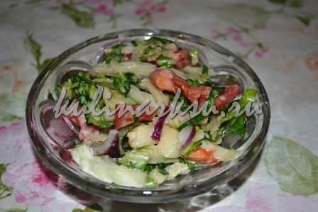 Вкусный салат с грушей и пармезаном