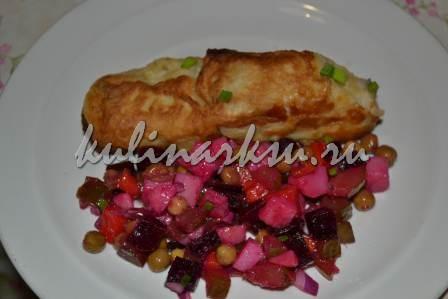 Готовое блюдо с винегретом.