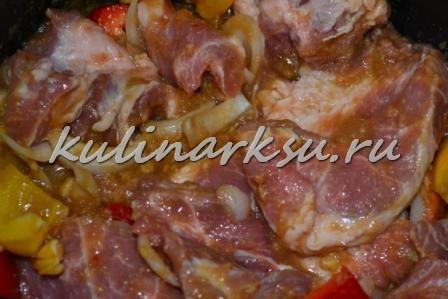 Сочная свинина в мультиварке в пикантном маринаде